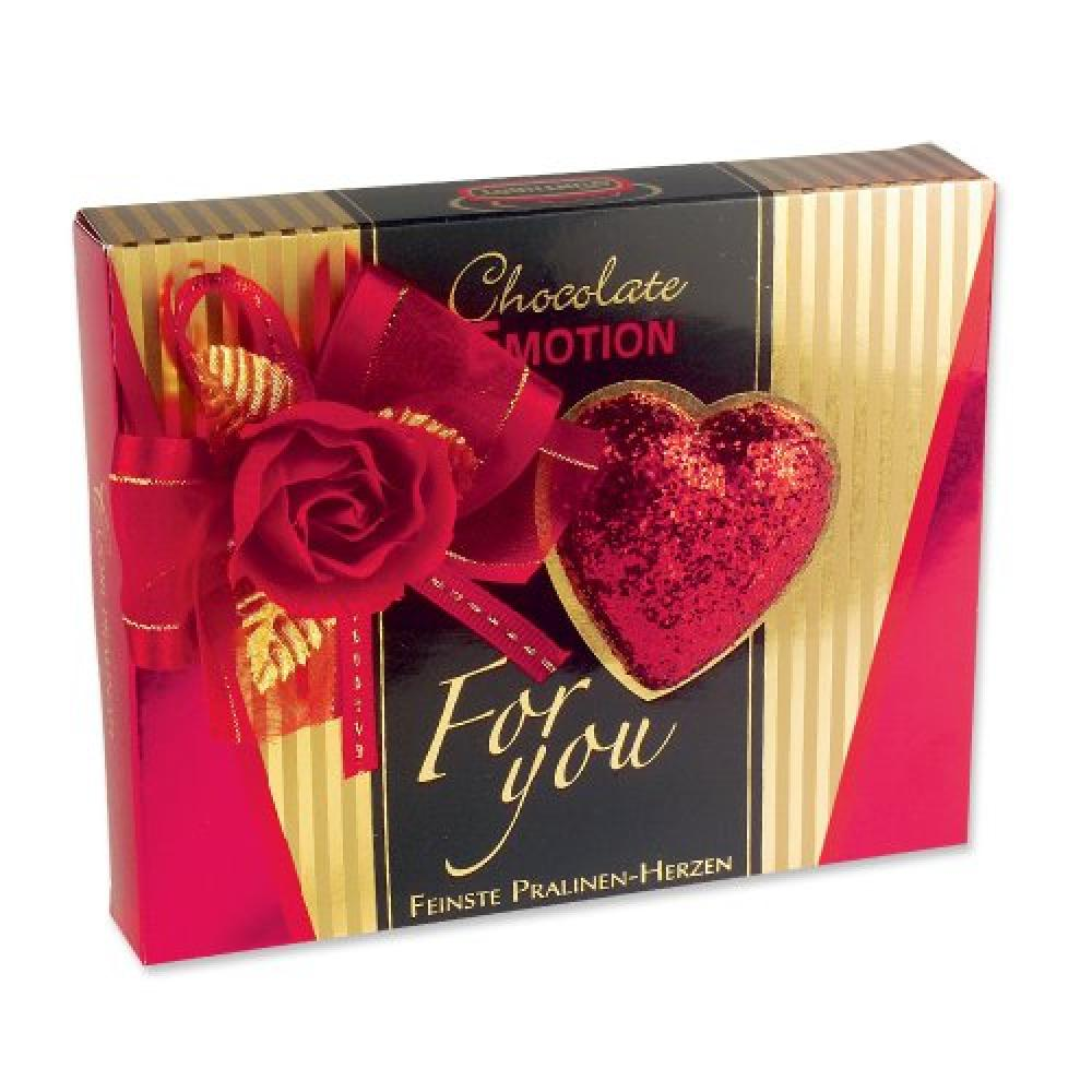 Gunthart Gift Box with Heart Decoration and Praline Hearts 96g