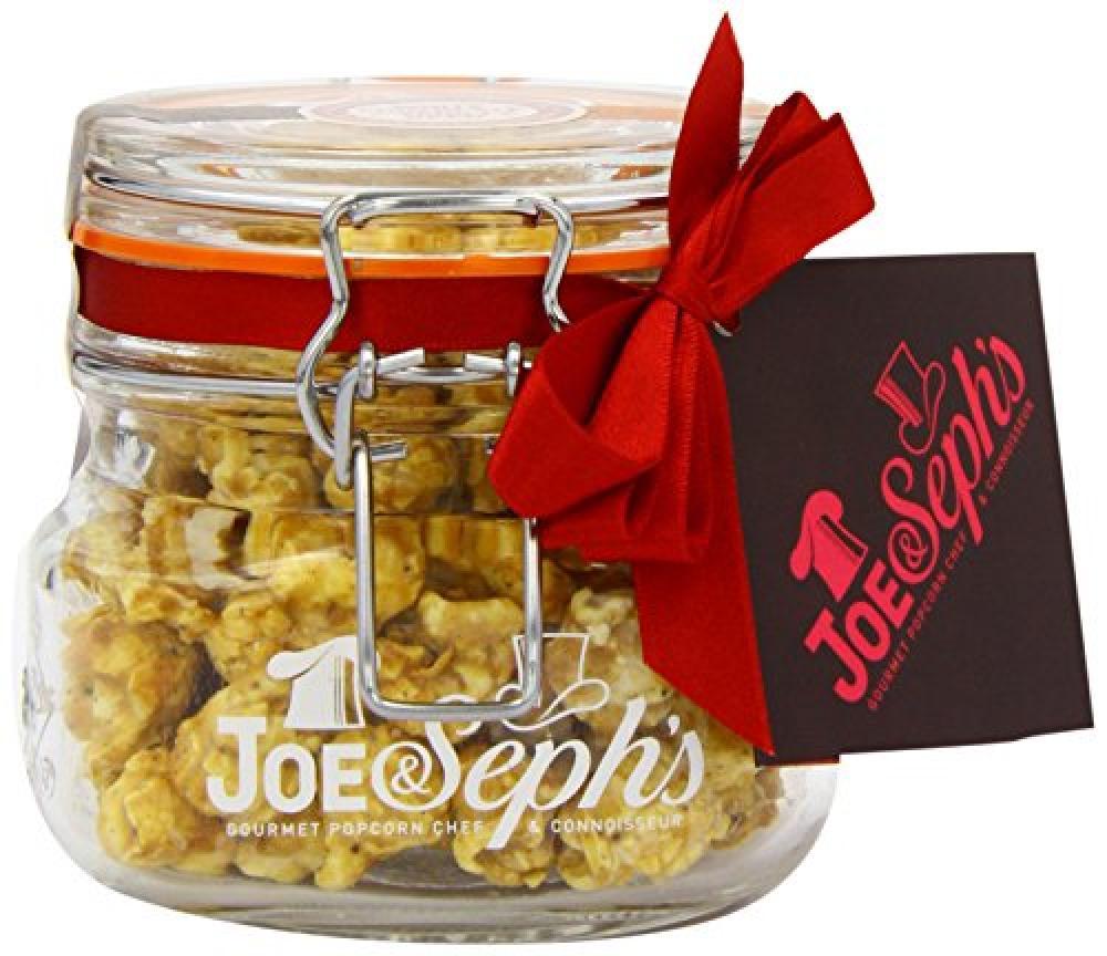Joe and Sephs Kilner Jar of White Chocolate and Vanilla Bean Popcorn