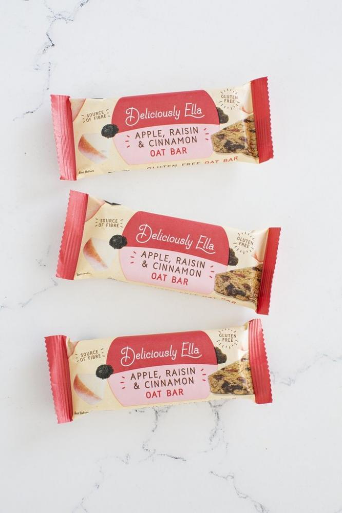 Deliciously Ella Apple Raisin And Cinnamon Oat Bar 50g